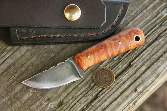 Custom Knives, Custom Pocket Knives, Lucas Forge, Hunting Knives, Artistic Knives